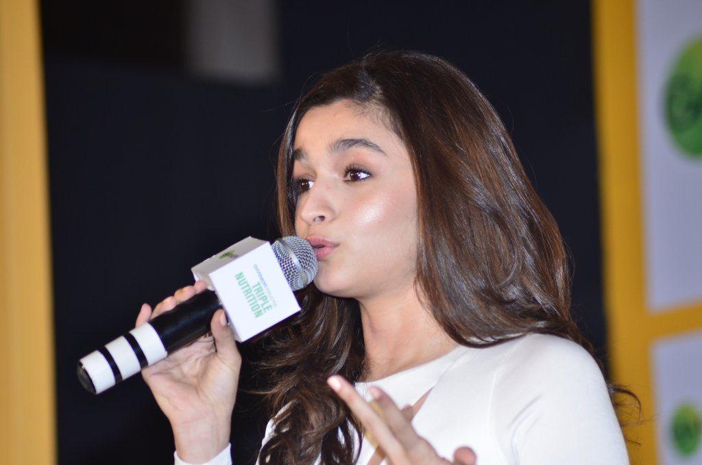 Alia Bhatt garnier (4)