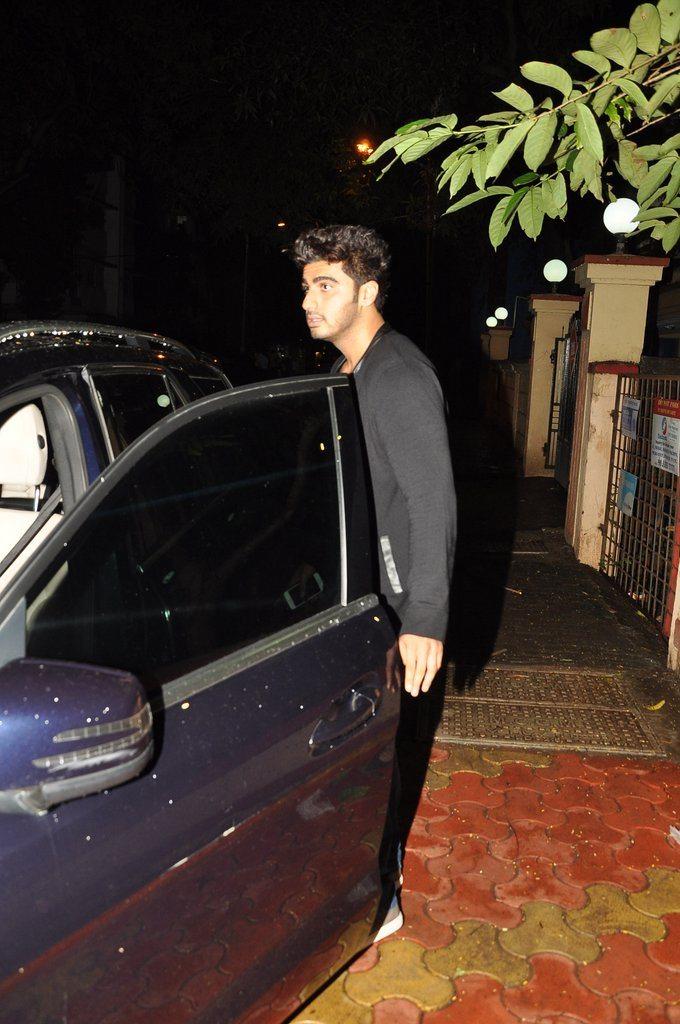 Arjun evening stroll (5)
