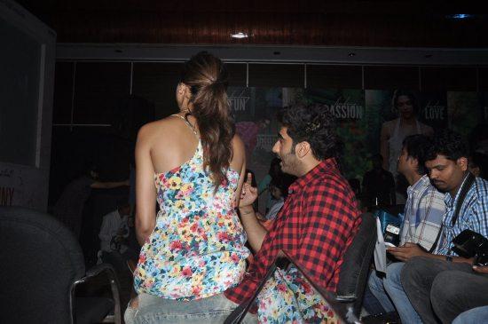 Arjun_Kapoor_and_Deepika_Padukone_Finding_Fanny0