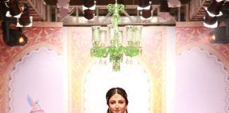 Bangalore Fashion Week 2014 Photos – Soha Ali Khan walks for Ashima and Leena