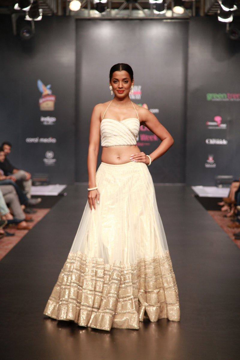 Mugdha ghodse Bangalore fashion week 2014 (9)