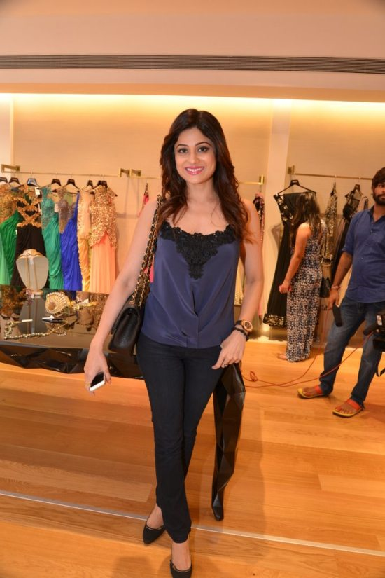 Celebs_at_aza_store_launch163