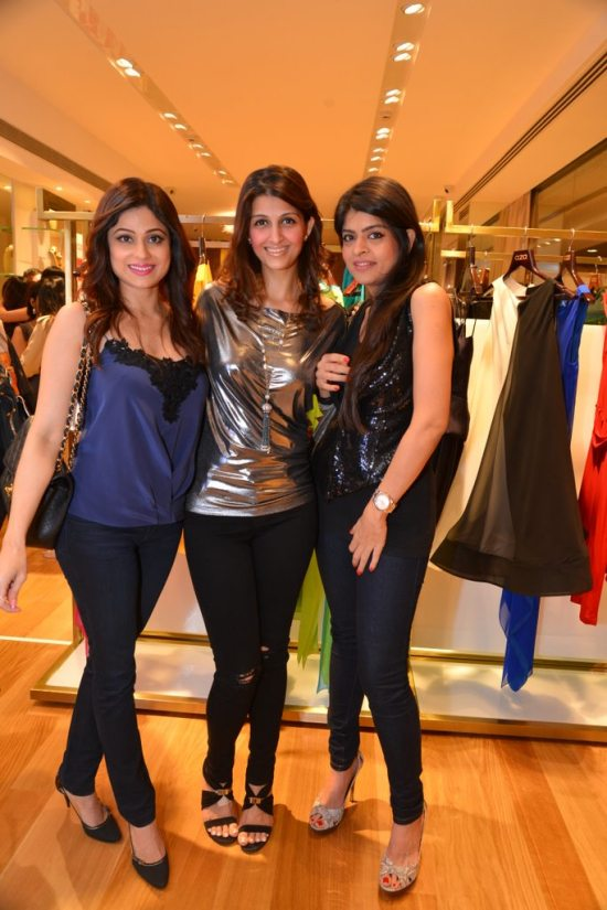Celebs_at_aza_store_launch178