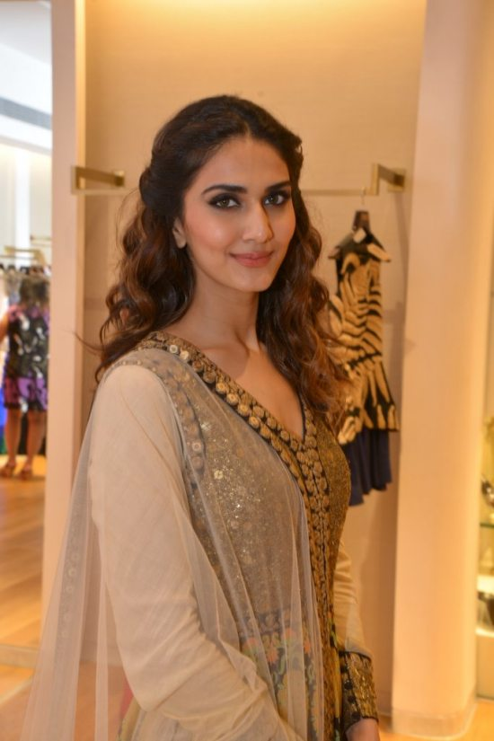 Celebs_at_aza_store_launch52