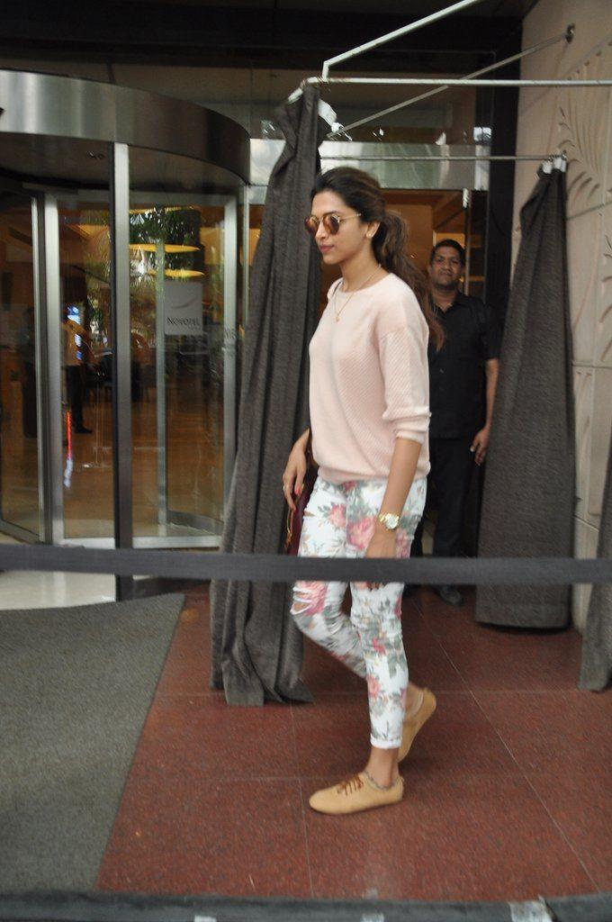 Deepika snapped (1)