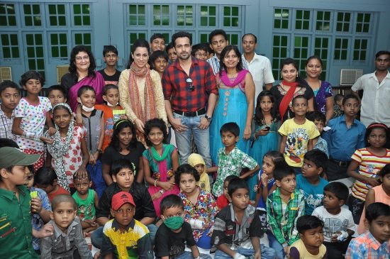 Emraan_Hashmi_at_Rouble_Nagi_art_workshop0