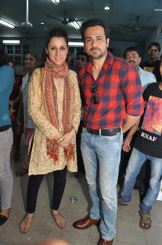 Emraan_Hashmi_at_Rouble_Nagi_art_workshop3
