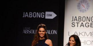 Lakme Fashion Week Winter/Festive 2014 Photos – Esha Gupta Walks for Neha Agarwal