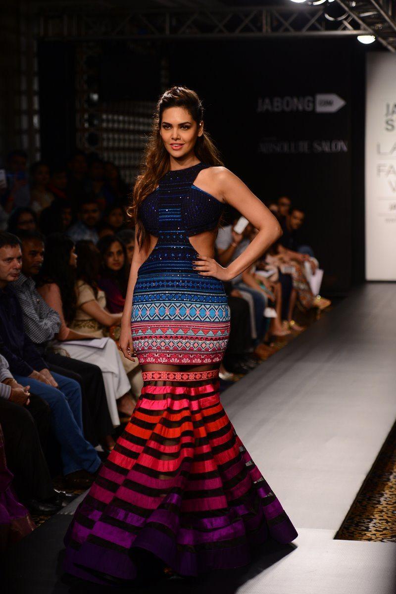 Esha Gupta LFW (7)