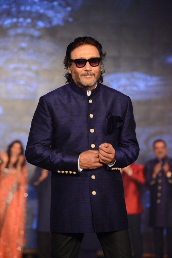 HNY Manish Malhotra (11)