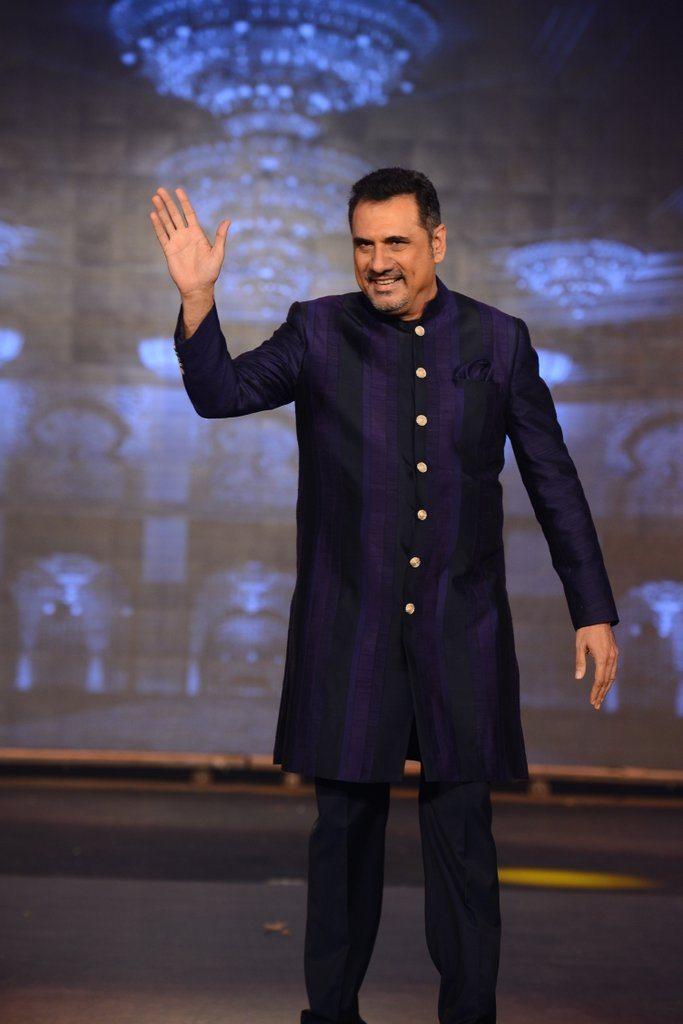 HNY Manish Malhotra (6)