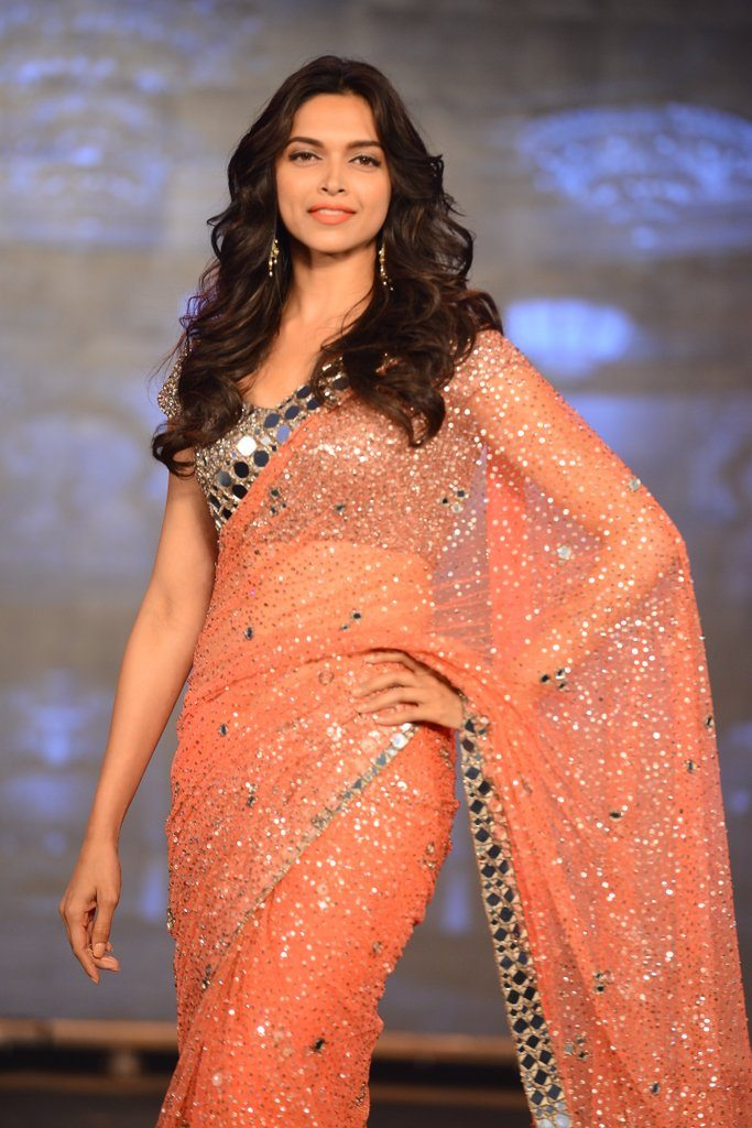 HNY Manish Malhotra (8)