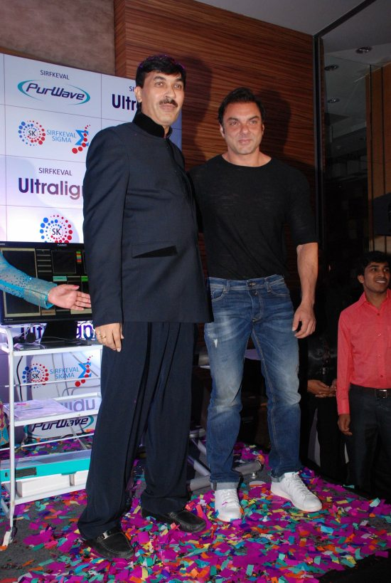 Juhi_Chawla_and_Sohail_Khan_launch_PurWave10