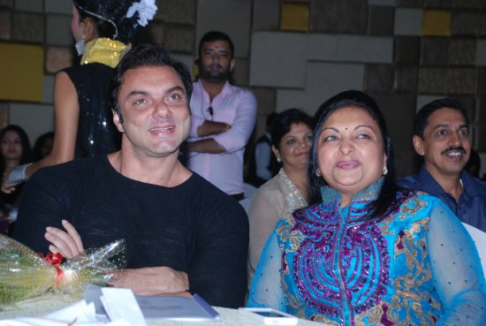 Juhi_Chawla_and_Sohail_Khan_launch_PurWave2