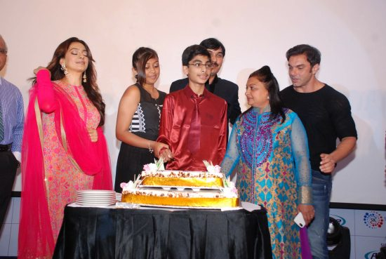Juhi_Chawla_and_Sohail_Khan_launch_PurWave26