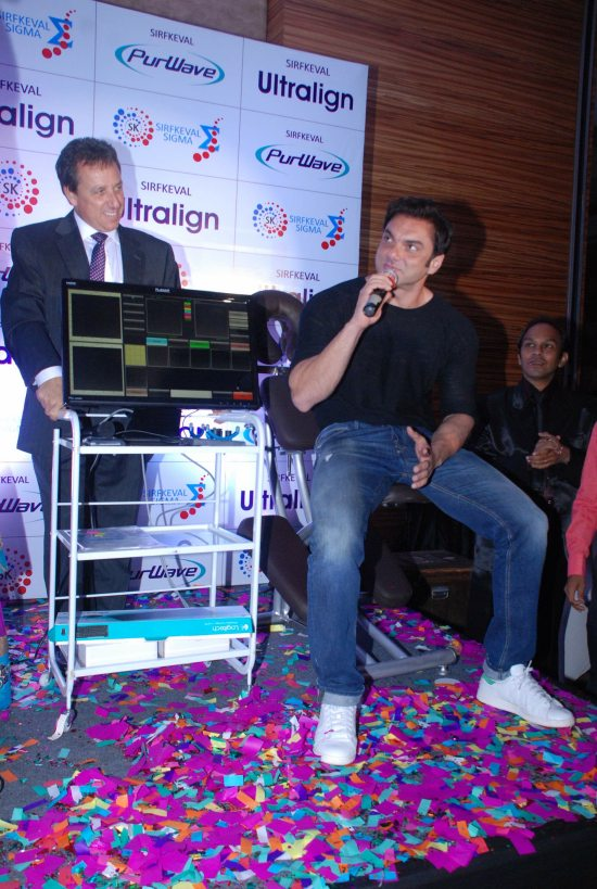 Juhi_Chawla_and_Sohail_Khan_launch_PurWave8