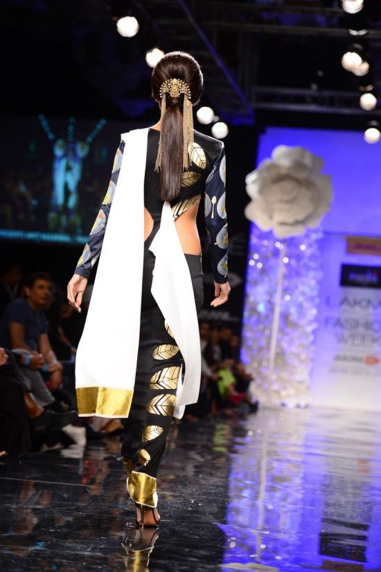 Lakme_fashion_week_Shilpa_shetty_Masaba352