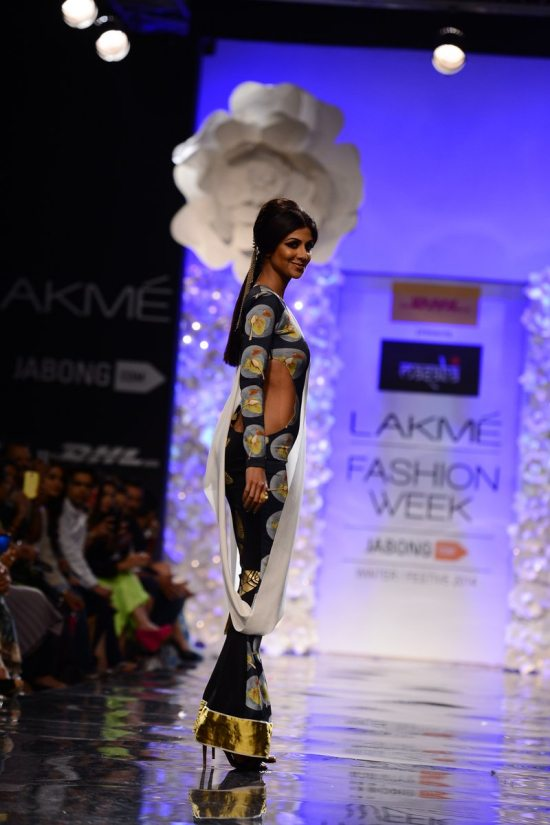 Lakme_fashion_week_Shilpa_shetty_Masaba356