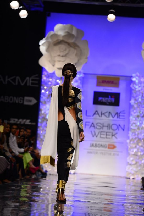 Lakme_fashion_week_Shilpa_shetty_Masaba358