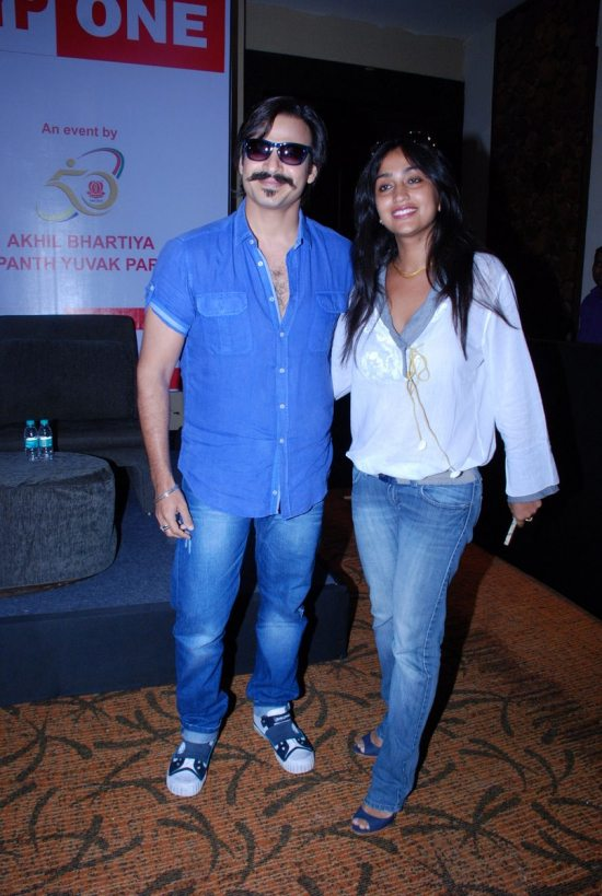 Mega_Blood_Donation_Drive_by_Vivek_Oberoi3
