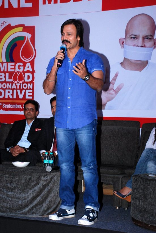 Mega_Blood_Donation_Drive_by_Vivek_Oberoi61