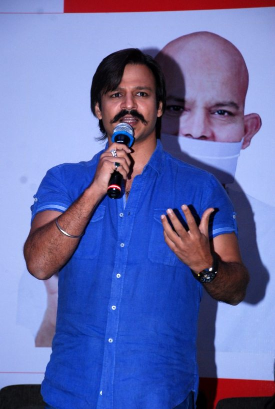 Mega_Blood_Donation_Drive_by_Vivek_Oberoi71