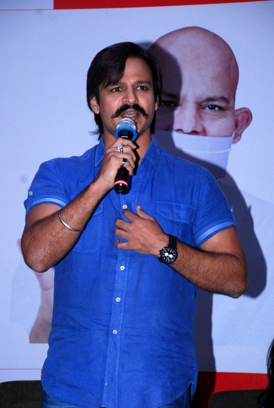 Mega_Blood_Donation_Drive_by_Vivek_Oberoi72