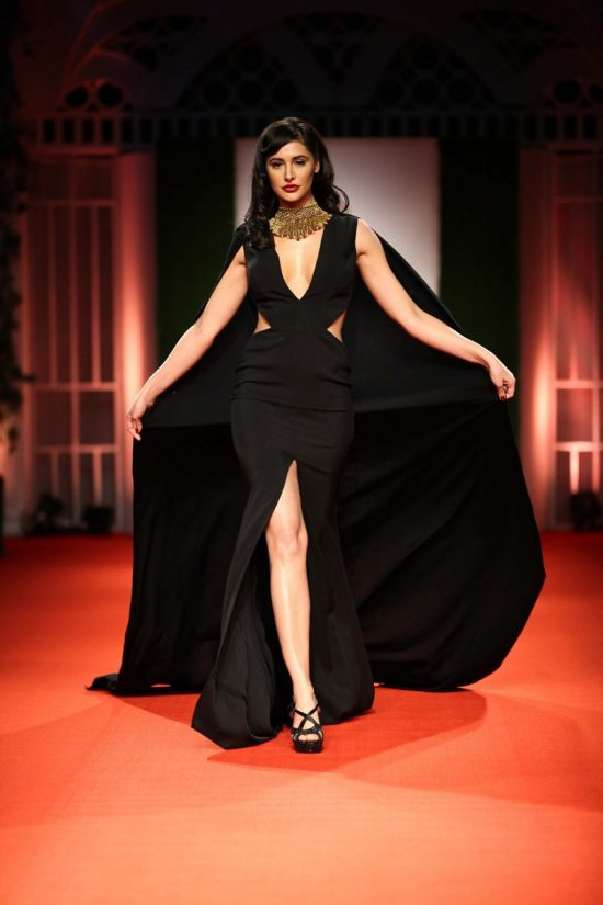 Nargis_fakhri_India_bridal_week_201429