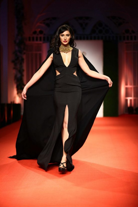 Nargis_fakhri_India_bridal_week_201431