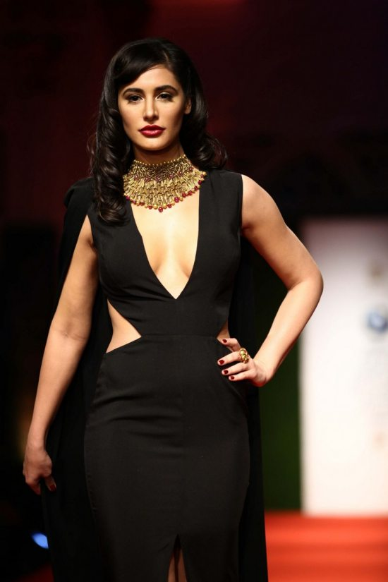 Nargis_fakhri_India_bridal_week_201435