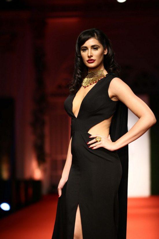 Nargis_fakhri_India_bridal_week_201438