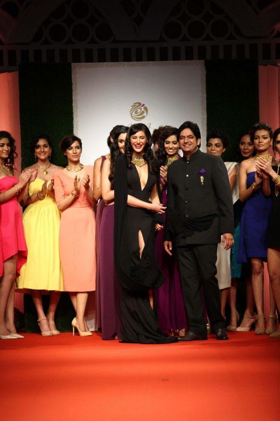 Nargis_fakhri_India_bridal_week_201442