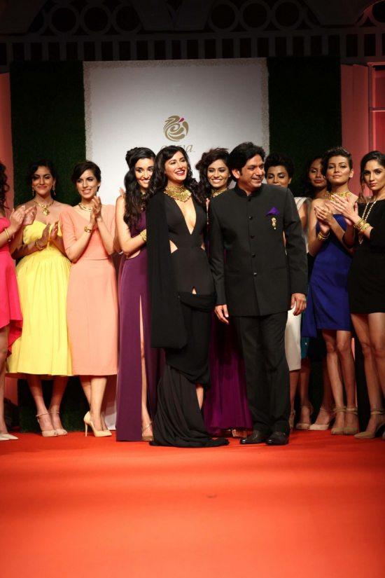 Nargis_fakhri_India_bridal_week_201445