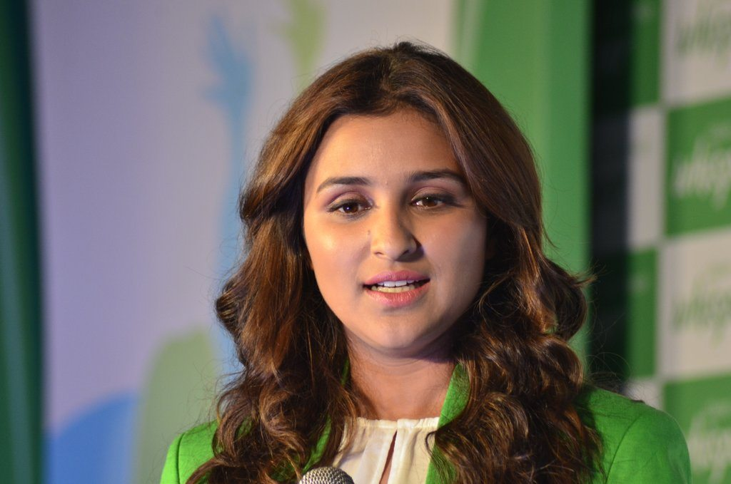 Parineeti whisper event (1)