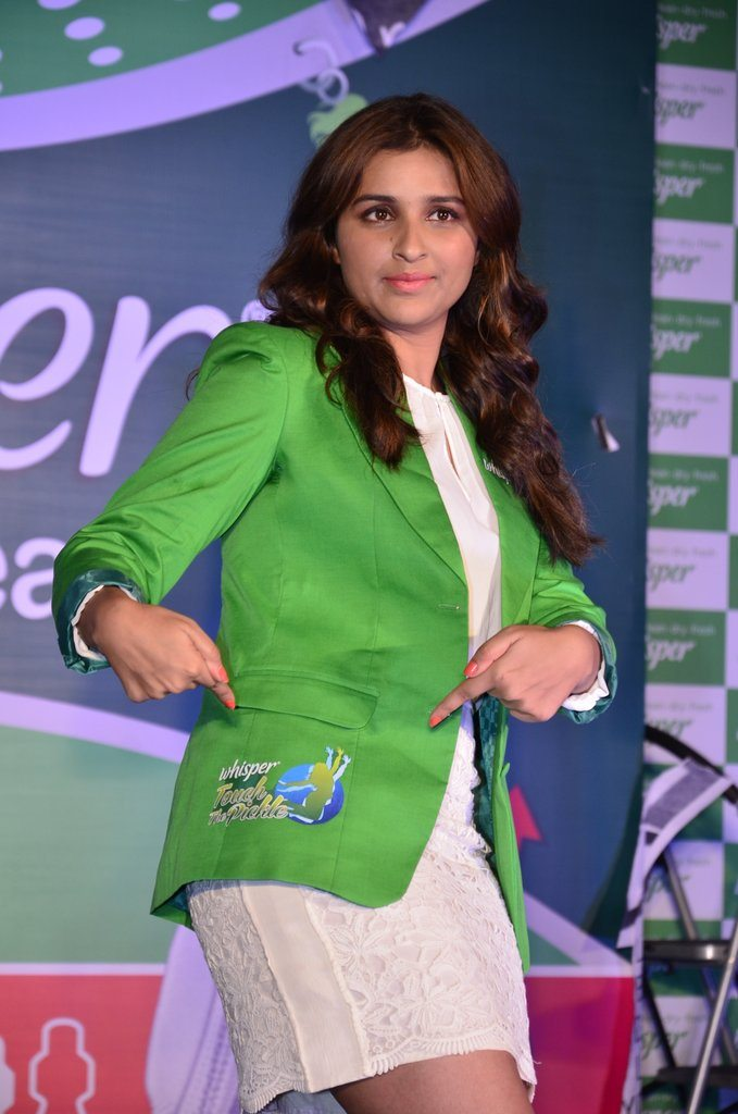 Parineeti whisper event (10)