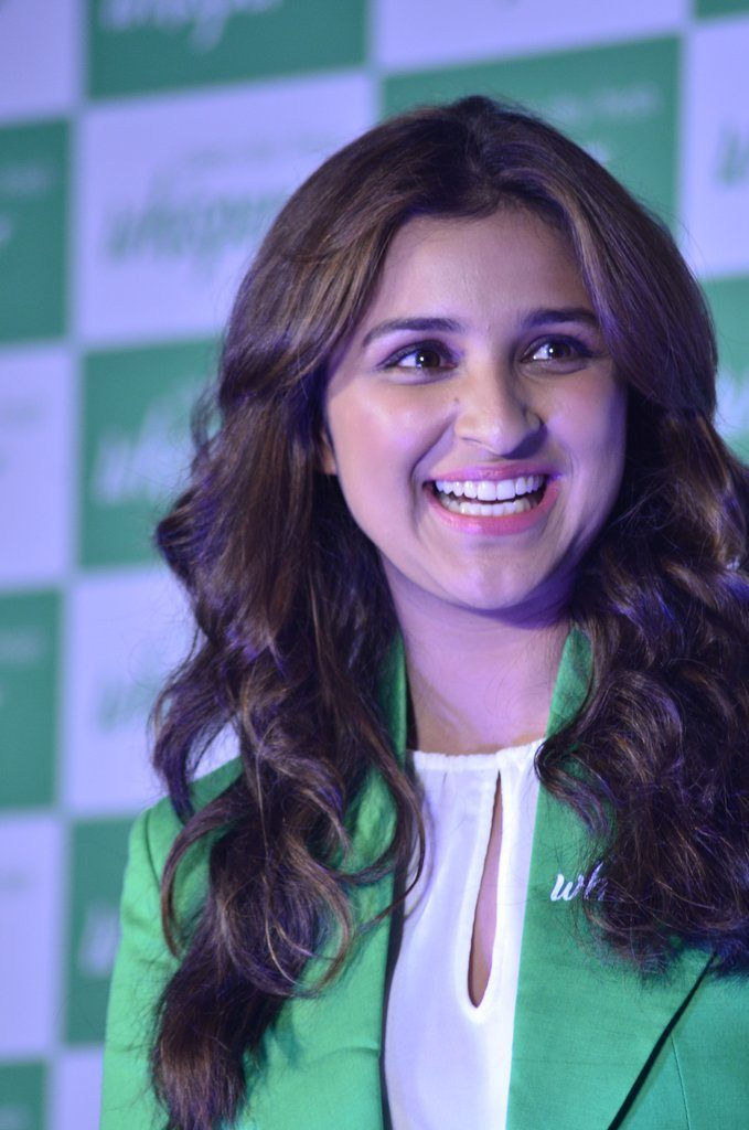 Parineeti whisper event (2)