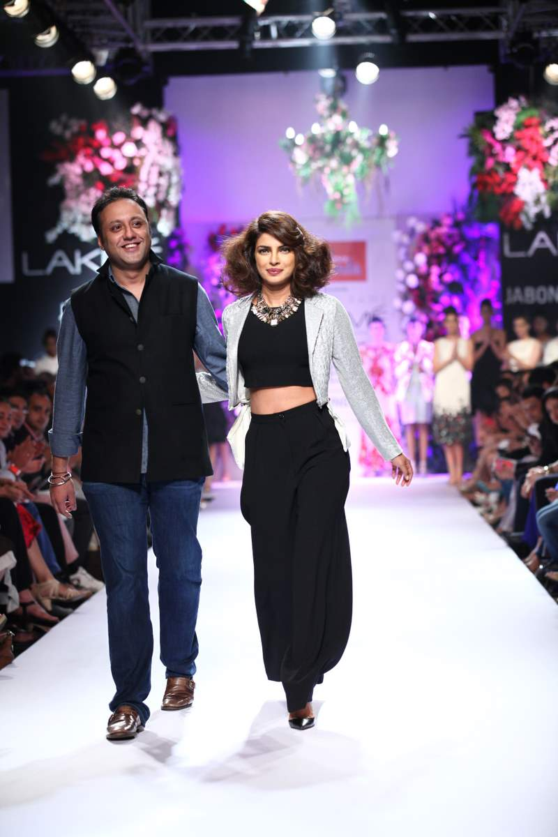 Priyanka Chopra walks for Varun Bahl