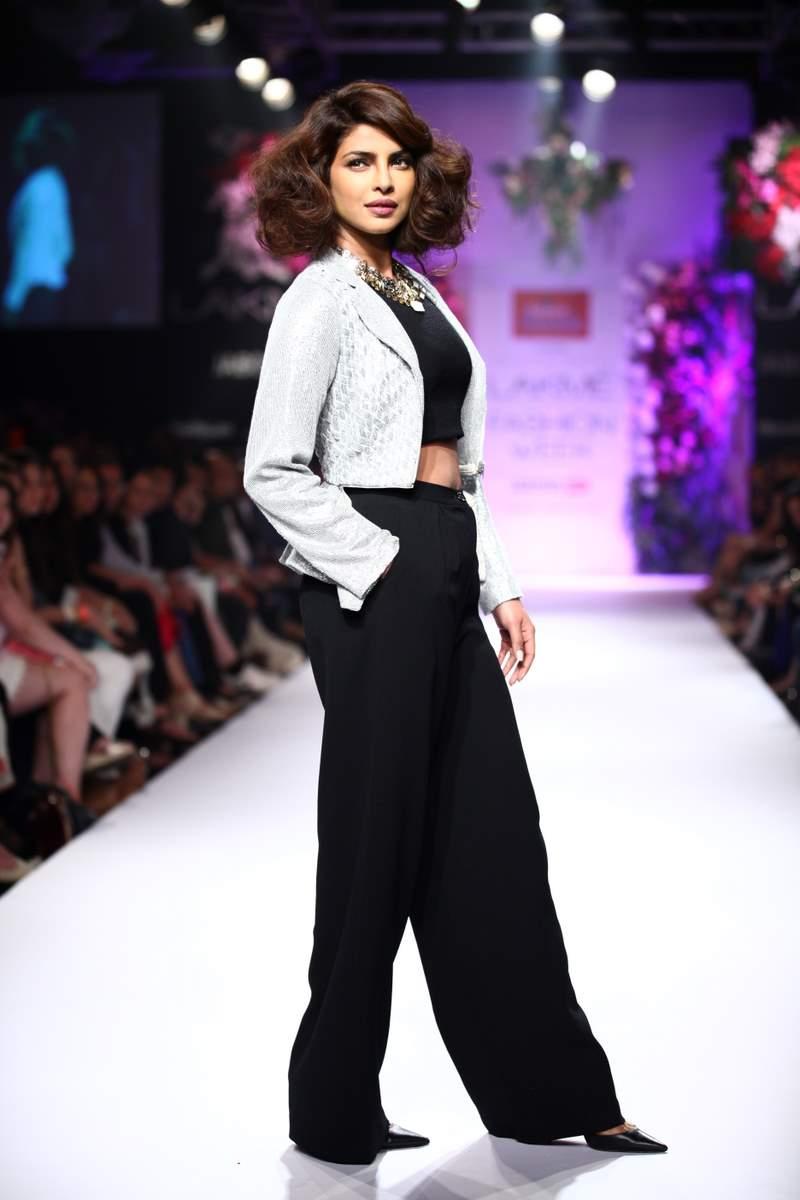 Priyanka Chopra LFW (8)