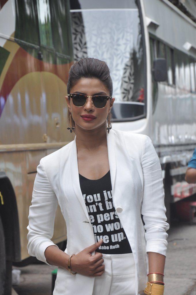 Priyanka Look 2 (2)