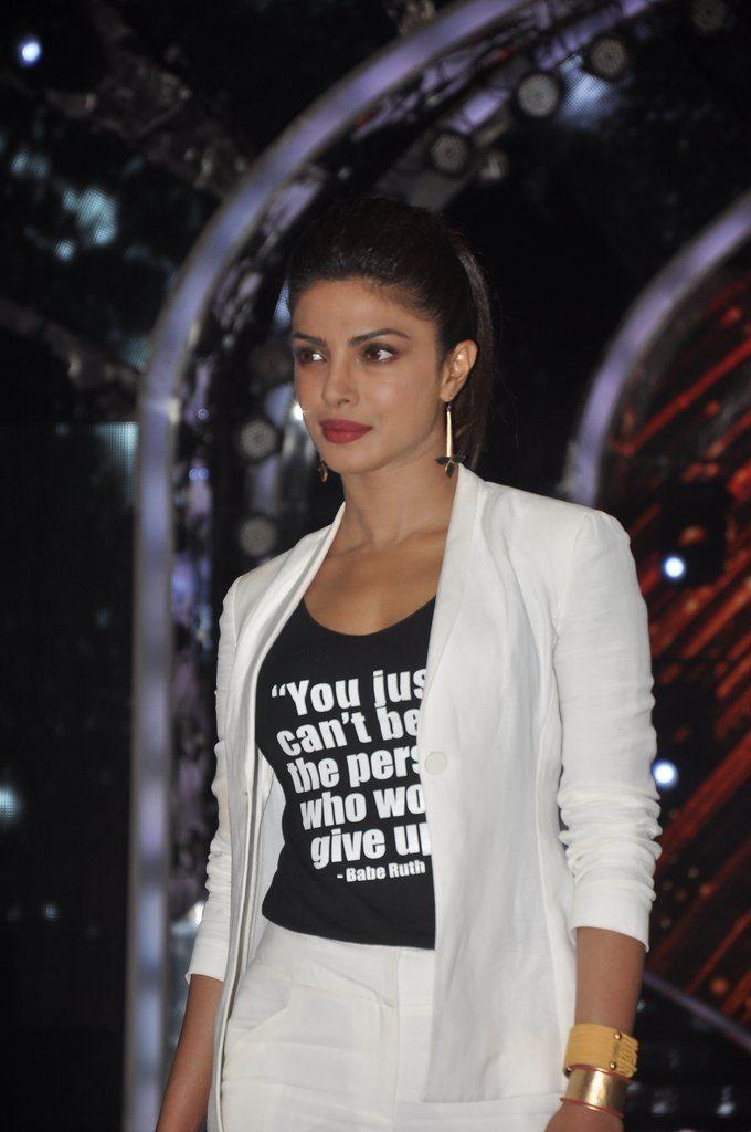 Priyanka Look 2 (8)