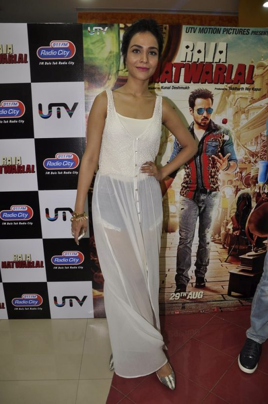 Raja_natwarlal_promotions_radio_city56