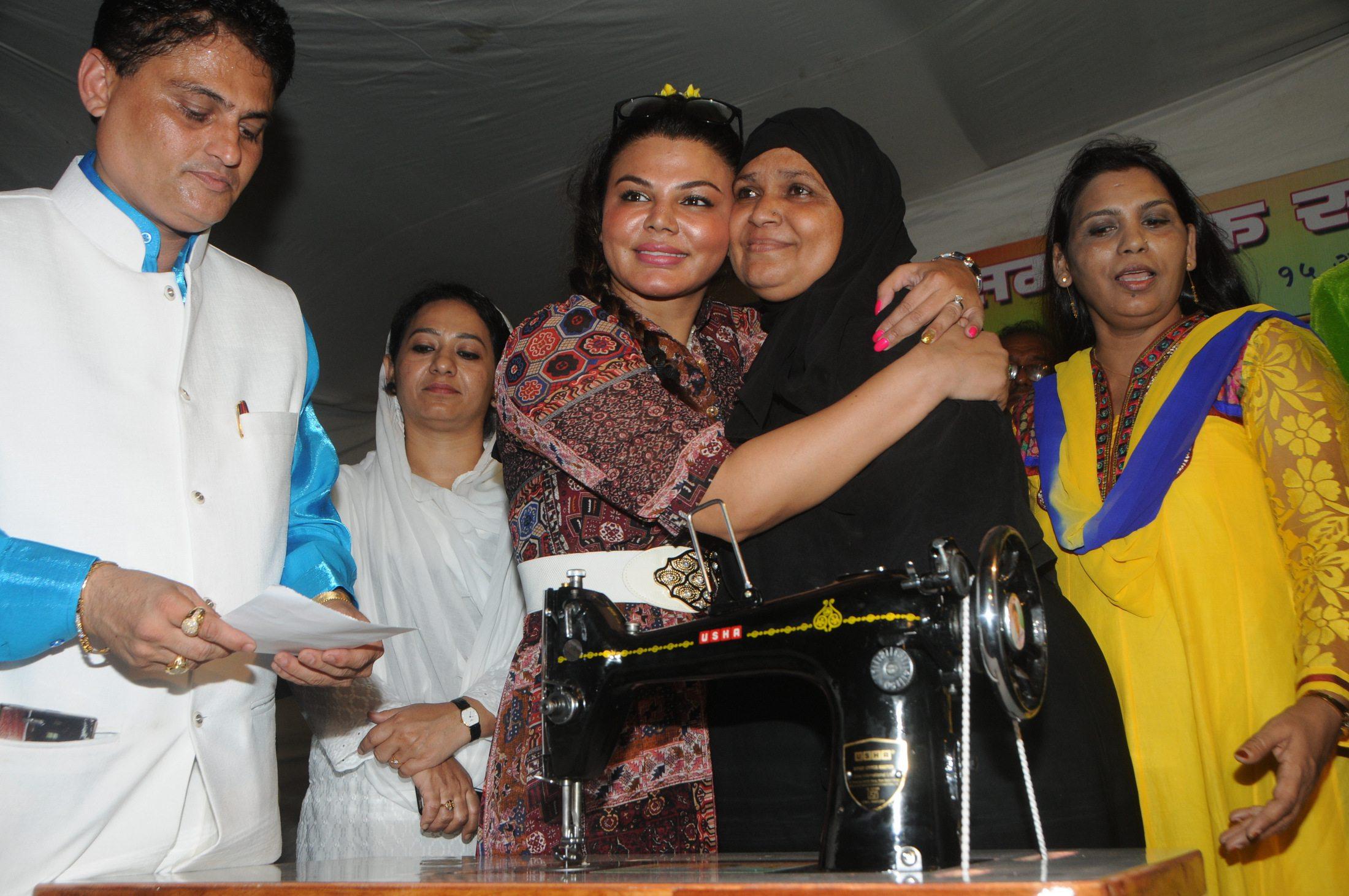 Rakhi Sawant Women EMP (2)