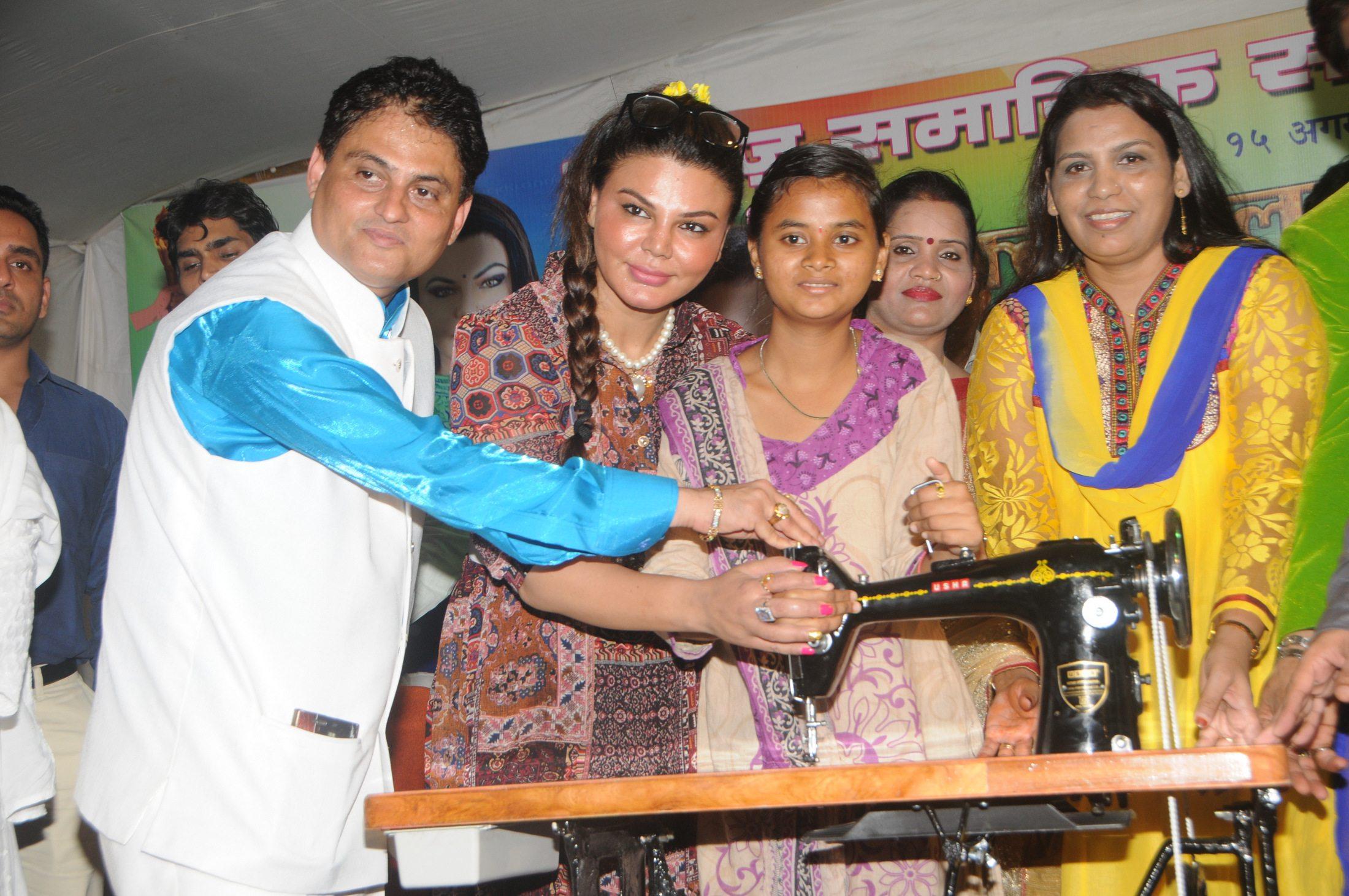 Rakhi Sawant Women EMP (4)