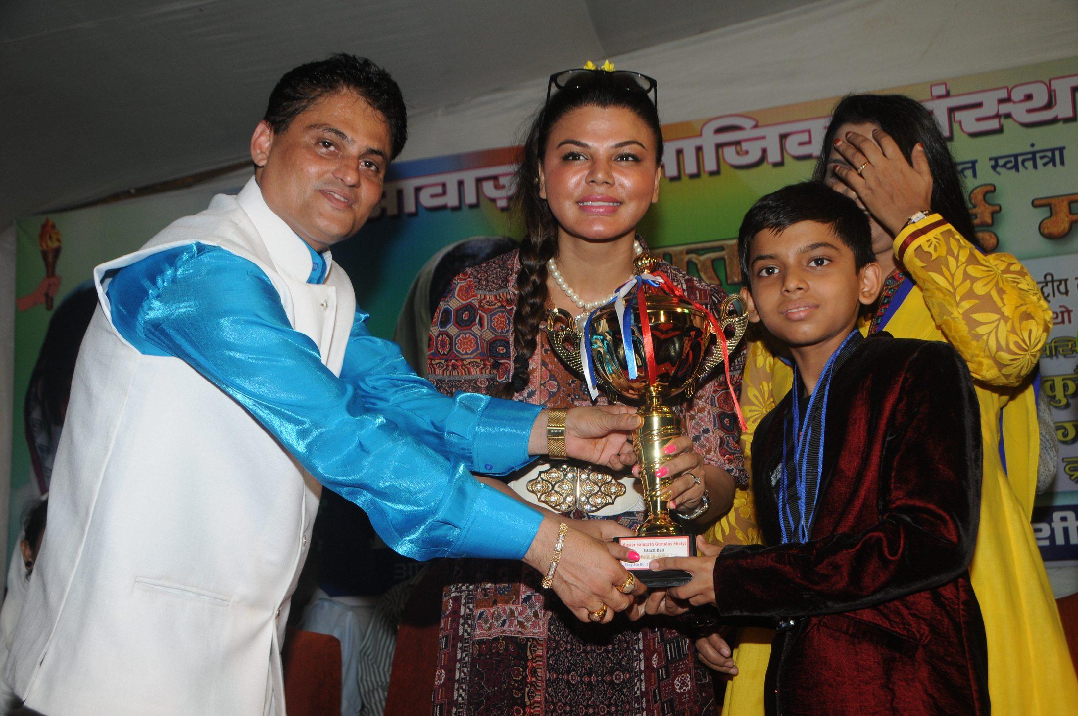 Rakhi Sawant Women EMP (7)