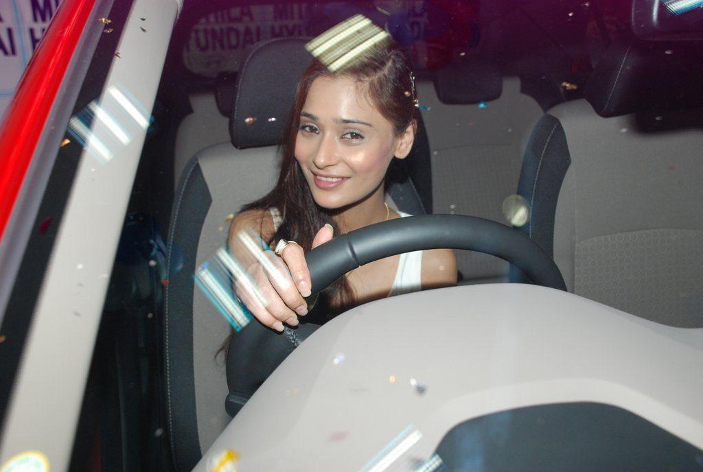 Sara Khan 120 elite (1)