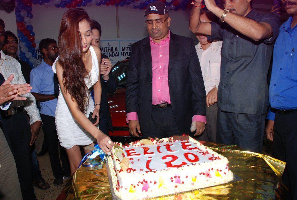 Sara Khan 120 elite (7)