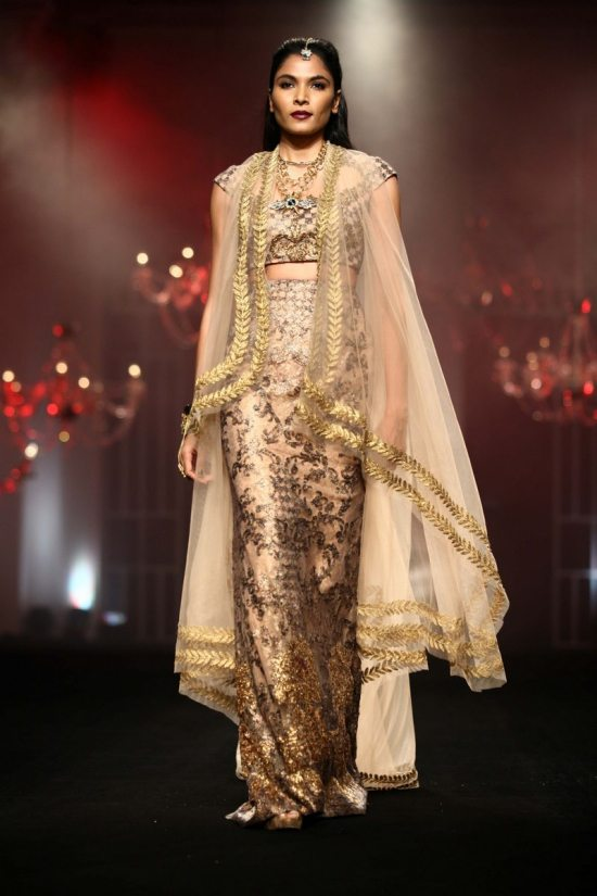 Shane_falguni_peacock_india_bridal_week_20141