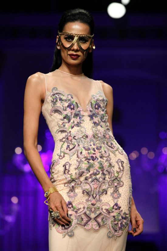 Shane_falguni_peacock_india_bridal_week_201414