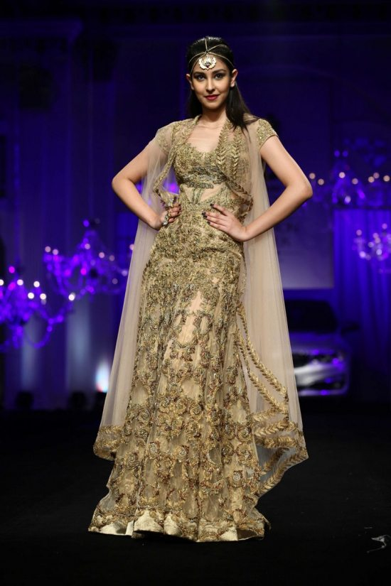 Shane_falguni_peacock_india_bridal_week_201419