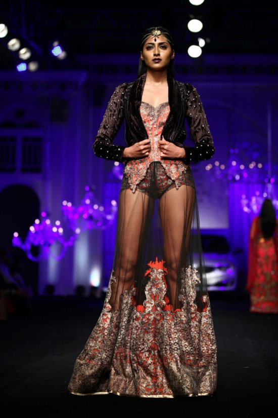 Shane_falguni_peacock_india_bridal_week_201421